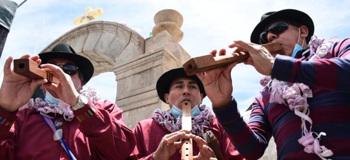 Con carnaval se celebró el aniversario de la región en Putre