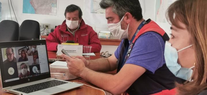 """Intendente Erpel ante alta tasa de positividad: """"Se está evaluando una restricción vehicular para Arica"""""""